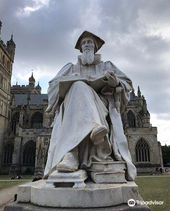 Statue of Richard Hooker1
