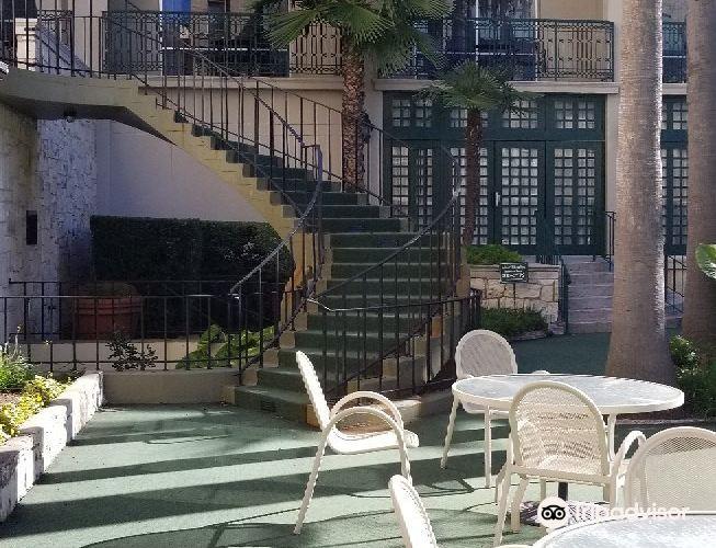Alamo Plaza Spa at the Menger Hotel3