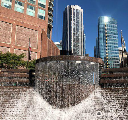 Centennial Fountain and Water Arc1