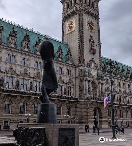 Heinrich Heine Denkmal4