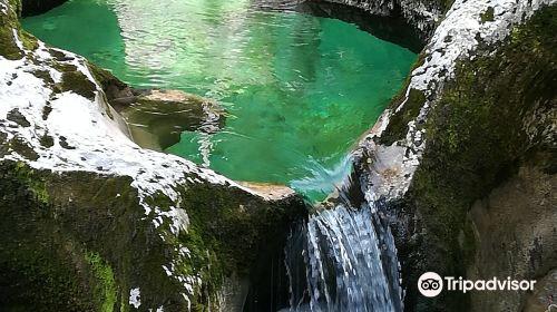 Slap Mostinca (Mostnica Waterfall)