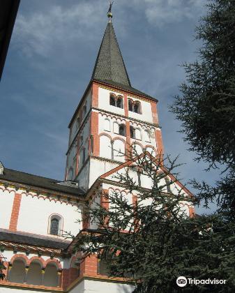 黑萊茵村雙體教堂3