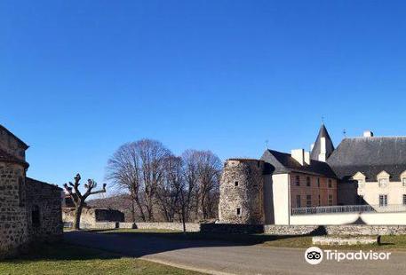 Castle de Villeneuve-Lembron