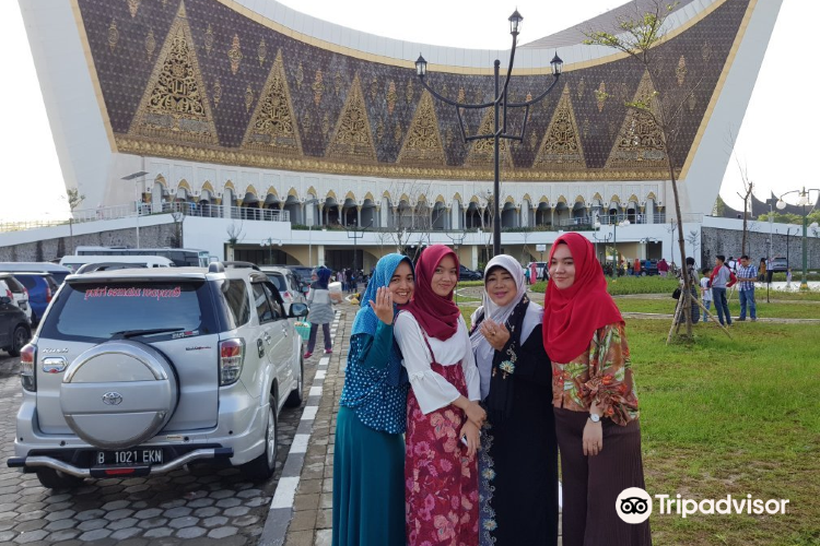 Grand Mosque of West Sumatra3