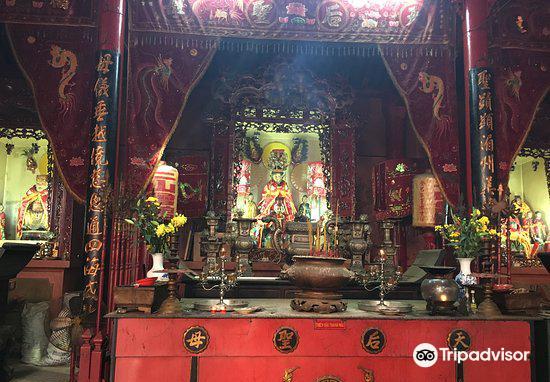 Tam Son Hoi Quan Pagoda3