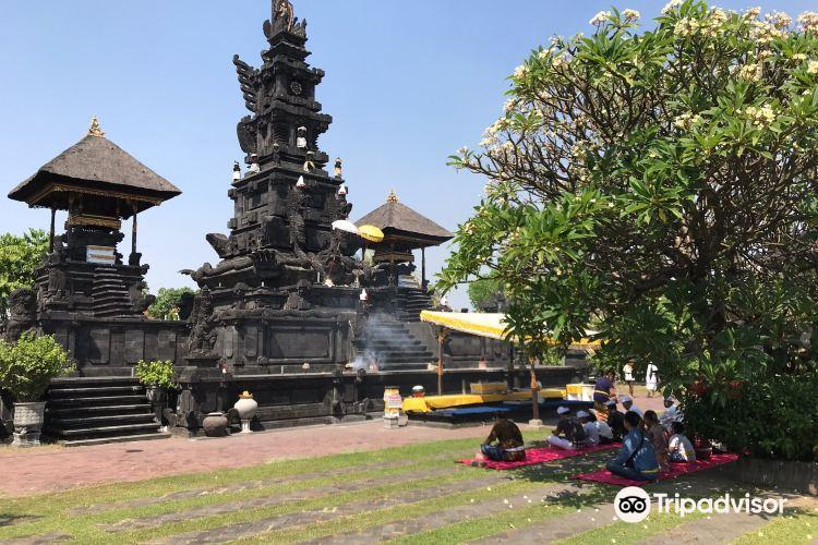 Tanah Kilap Temple1