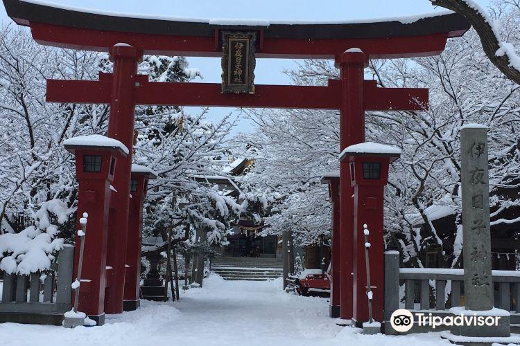 Yahiko Shrine1