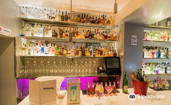Gin club 923