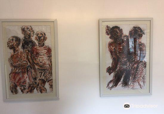 Red Door Art Gallery2