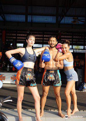 Sitsongpeenong Muay Thai Training Phuket3