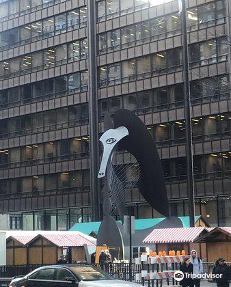 Picasso Statue1