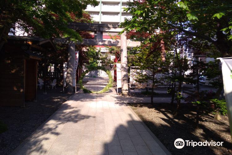 Yahiko Shrine3