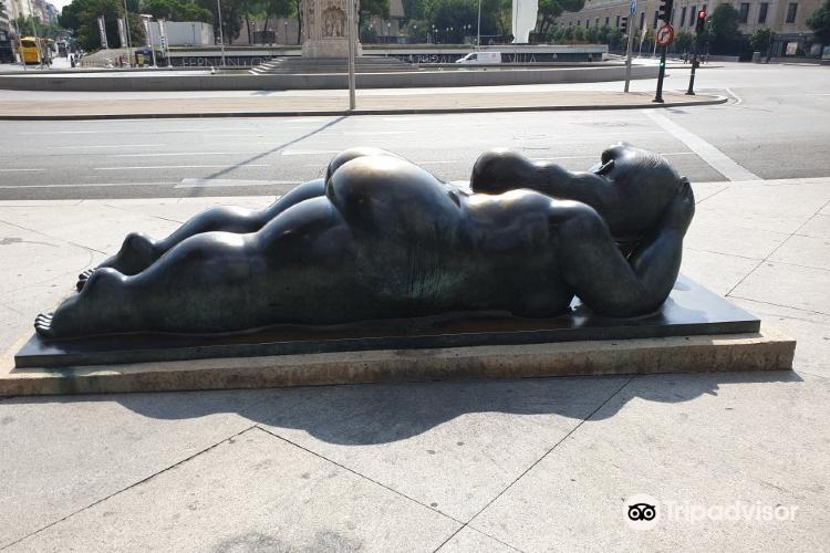 Mujer con Espejo - De Fernando Botero4