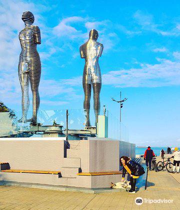 阿里和尼諾雕像2