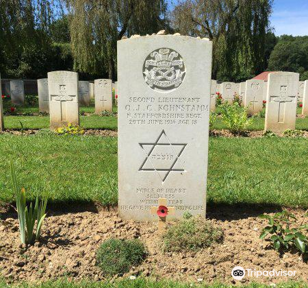 Carnoy Military Cemetery3