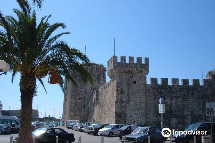 Tower Kamerlengo Trogir1