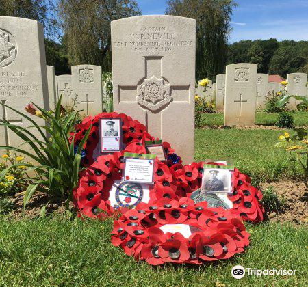 Carnoy Military Cemetery4