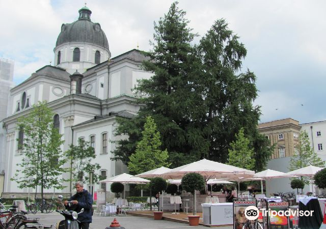 Universitatskirche1