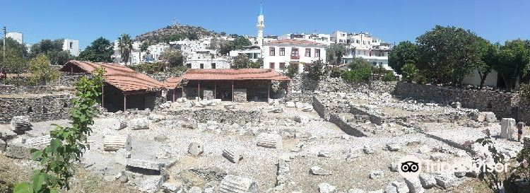 Mausoleum of Halicarnassus3