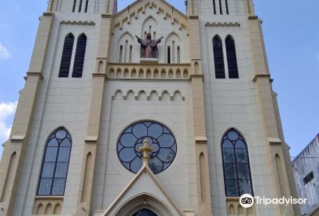 Kayutangan Church