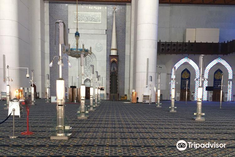 Sultan Salahuddin Abdul Aziz Shah Mosque3