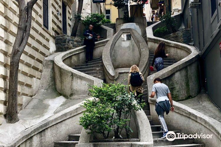 Kamondo Stairs2