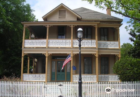 Historic Pensacola Village3