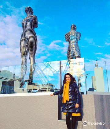 阿里和尼諾雕像4