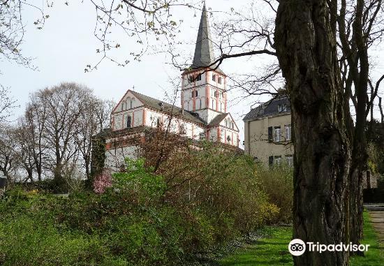 黑萊茵村雙體教堂1