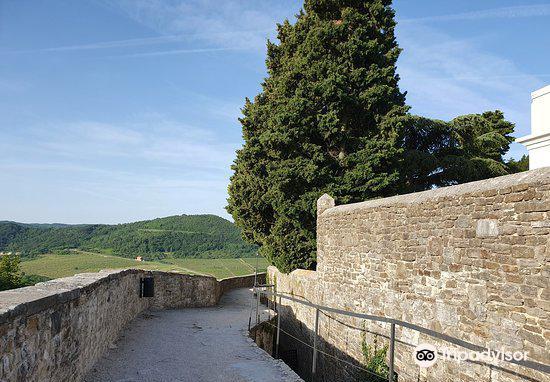 Ancient City Walls1