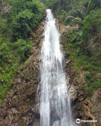 Khun Korn Waterfall1