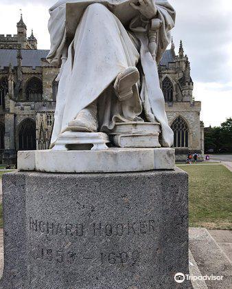Statue of Richard Hooker4