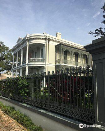 Robinson House1