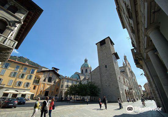 Cathedral of Como (Duomo)4
