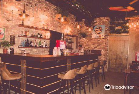 Wanderlust Coffee & Cocktail Bar