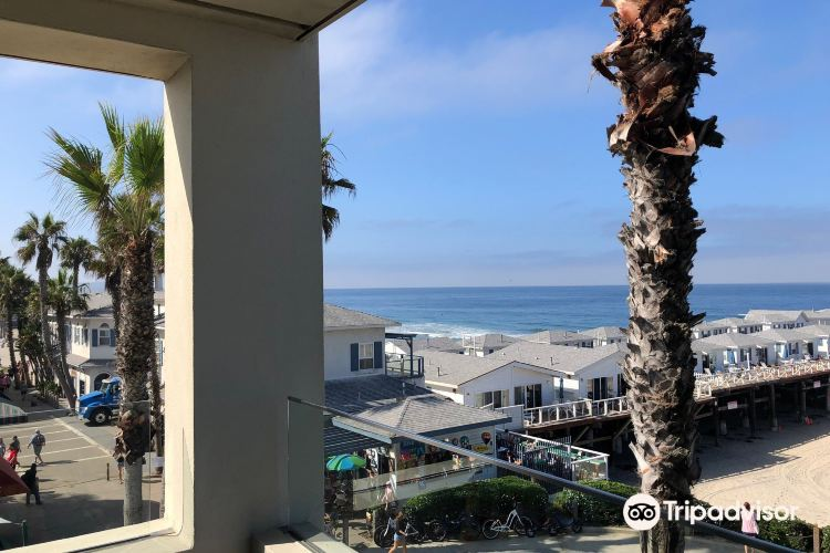 The Promenade at Pacific Beach4