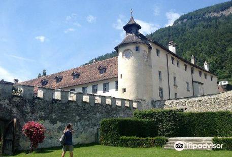 Castle Haldenstein