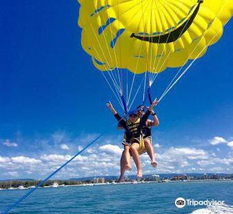 Surfers Paradise Parasail, Jet Ski Hire & Jet Boat Rides