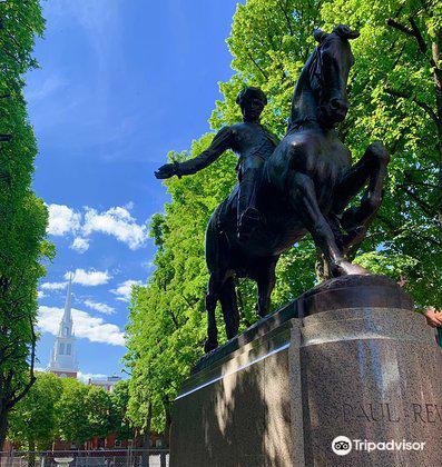 Statue of Paul Revere2