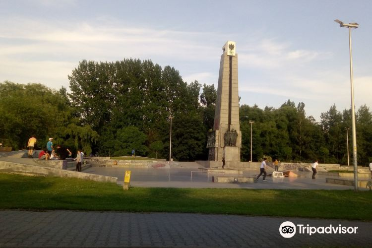 Monument of the Mining Effort1