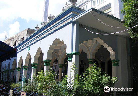 Cholon Mosque4