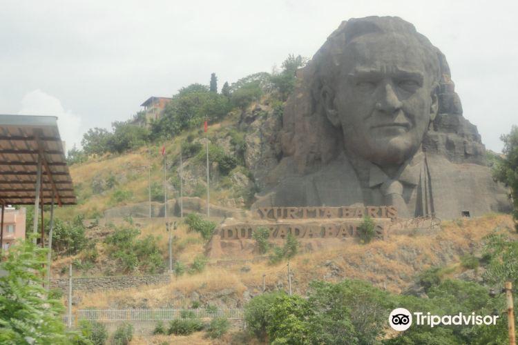 The statue of Ataturk3