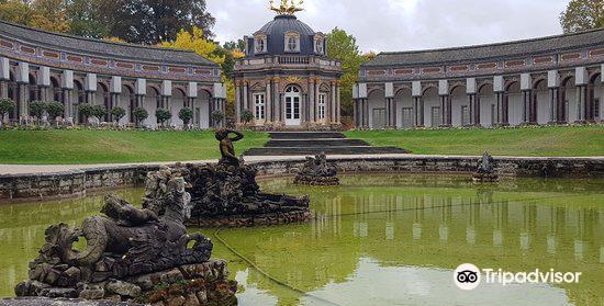 Hermitage Castle (Altes Schloss Ermitage)3