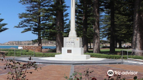 Victor Harbour Cenotaph