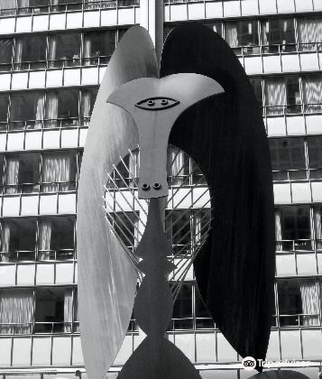 Picasso Statue4