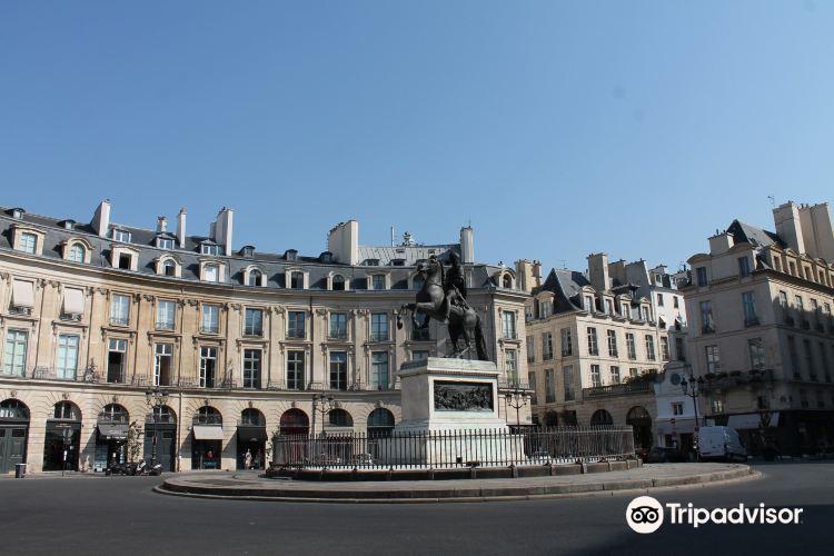 Place des Victoires2