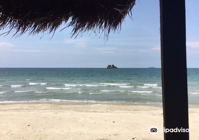 Laem Mae Phim beach3