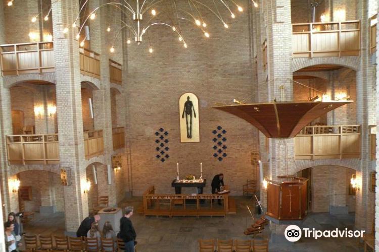 Mariehoj Kirke1