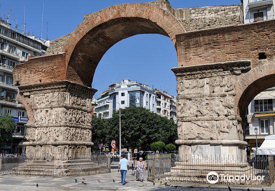 Arch of Galerius4