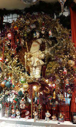 Christmas Museum Shop3